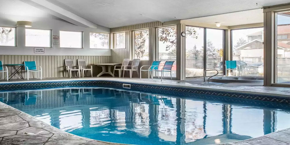 Quality Inn Barrie Indoor Pool